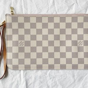 100% Authentic Louis Vuitton Never Full Pouch